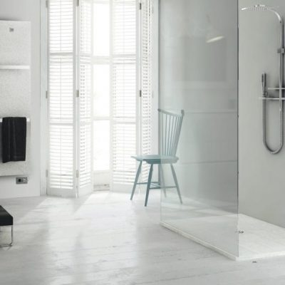 Walk in shower rooms by Planet Showrooms